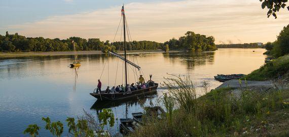 Balade en bateau sur la Loire © D. Darrault