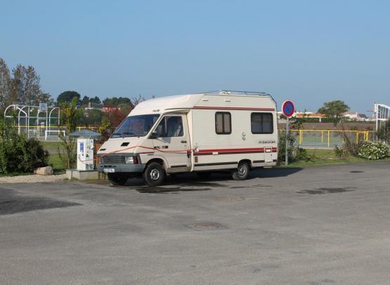 AIRE DE SERVICES MUNICIPALE CAMPING-CAR