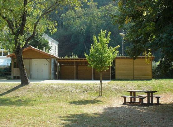 aire-camping-car-cul-du-moulin-champtoceaux.jpg
