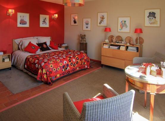 Vue-sur-lit-chambre-exotiqueLogis-de-la-Fouettiere-Chemille-sur-loire-Valdelorie