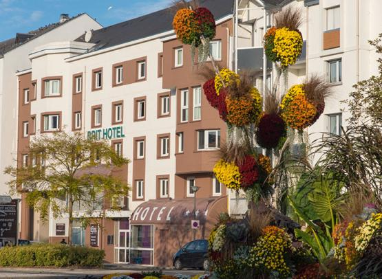 BRIT-HOTEL-LE-CHEOPS--1--2
