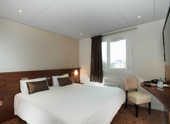 BRIT-HOTEL-LE-CHEOPS--6--2