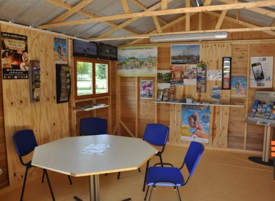 Camping municipal du Val de Flux - point information wifi