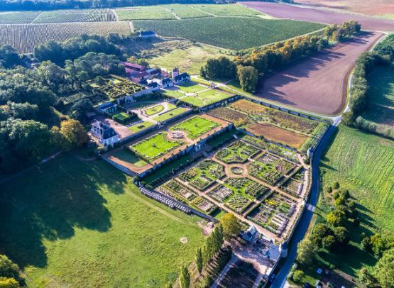 Chateau-de-Valmer-Vue-aerienne-Charly-s-Drone-paysage-2