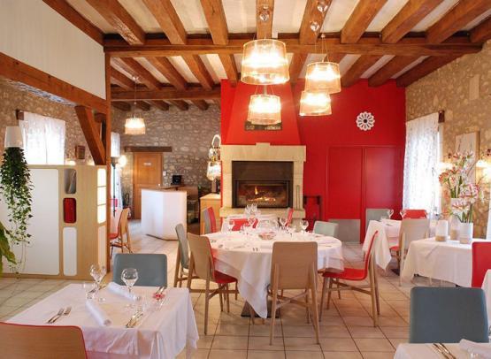 Restaurant-Les-Closeaux-Interieur