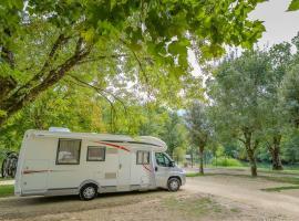 aire_camping_car_azay-le-rideau_3