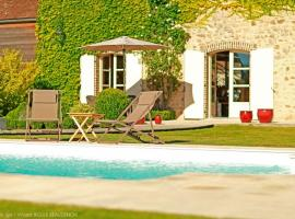 Chilienne-au-bord-de-la-piscine--89P5279-Visuel-Le-Jardin-Spa-Vincent-RIGLER-BEAUDENON-ecrit