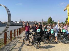 visite à vélo électrique Nantes balade bike tour Nantes EVJF EVG original insolite evenement Nantes balade a velo (2)
